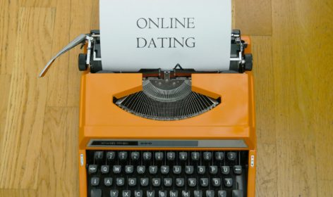 online-dating-4503846_1920